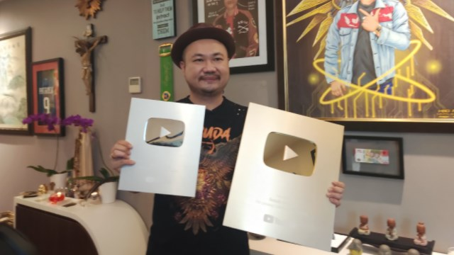 gold play button basuki surodjo